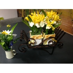 Free Instruction Sheet - Wheel Barrow centerpiece